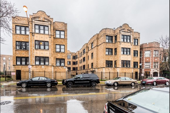 5556 W Jackson Apartments In Chicago Il Pangea Real