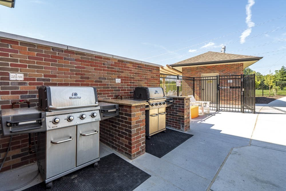 Outdoor grills available at The Villas at Mahoney Park