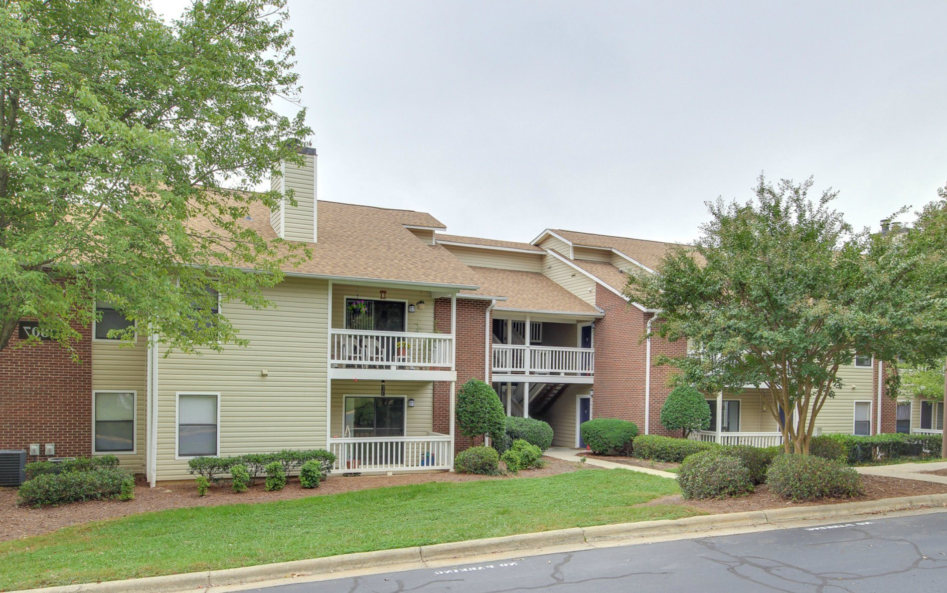 Terrace oaks apartments in greensboro nc for Terrace in apartment