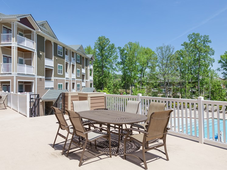 Outdoor Dining Area at Phillips Mallard Creek Apartments, North Carolina 28262