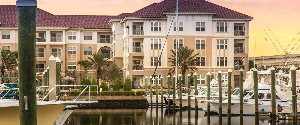 Located On The Intracoastal Waterway