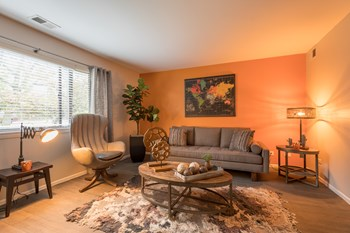 201 W Oakley Dr 1-3 Beds Apartment for Rent Photo Gallery 1