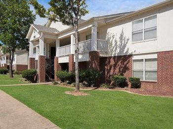 1424 Links Drive 1-2 Beds Apartment for Rent Photo Gallery 1