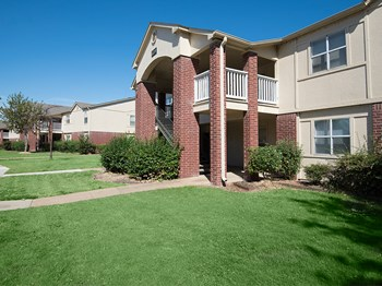 425 Birdie Drive 1-2 Beds Apartment for Rent Photo Gallery 1