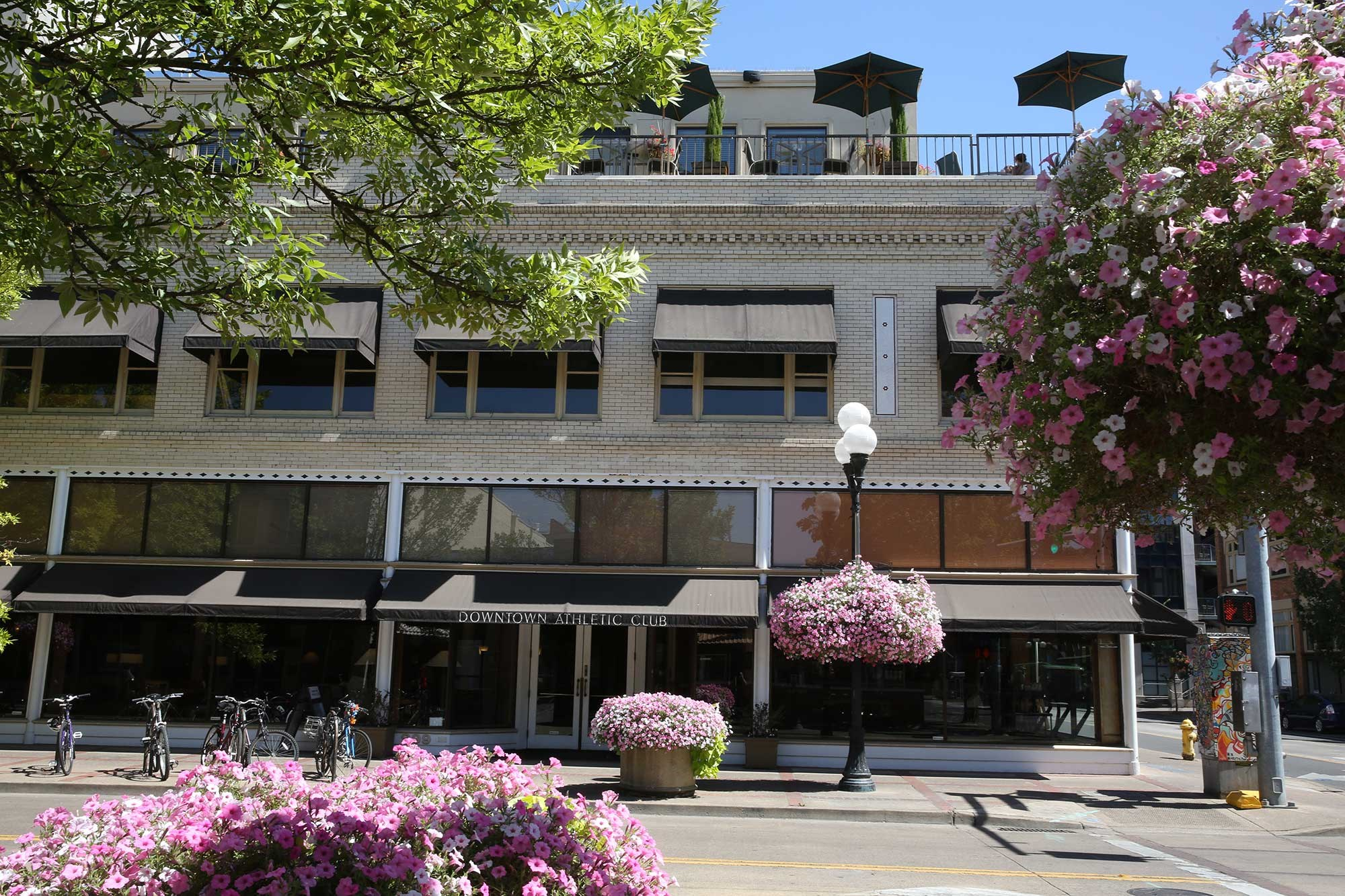 Downtown-Athletic-Club High street Terrace Eugene, OR