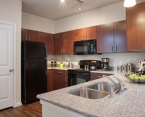 Full Kitchen View Buda Texas 78610 l Silverado Crossing Apt Home Rentals