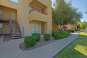 2827 North 51St Avenue Studio-2 Beds Apartment for Rent Photo Gallery 1