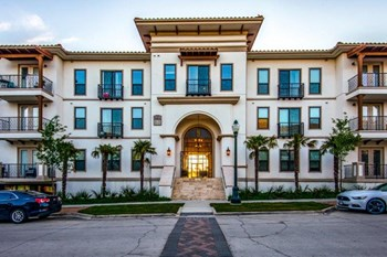 3075 Painted Lake Circle 1-3 Beds Apartment for Rent Photo Gallery 1