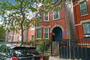 862 N. Marshfield Ave. Studio-3 Beds Apartment for Rent Photo Gallery 1