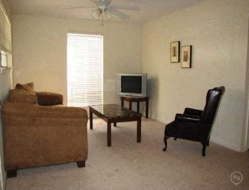 4606 Y. A. Tittle Avenue, Suite 3 Studio-3 Beds Apartment for Rent Photo Gallery 1