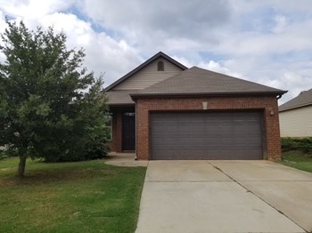 6031 Kensington Way 3 Beds House for Rent Photo Gallery 1