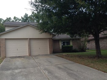 2227 Lexington Woods Dr 3 Beds House for Rent Photo Gallery 1