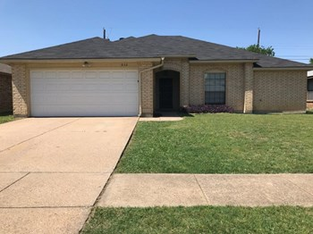 832 Larue Dr 4 Beds House for Rent Photo Gallery 1