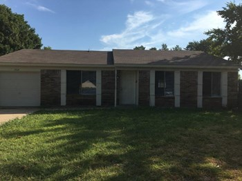 1513 Hawk Ct 3 Beds House for Rent Photo Gallery 1