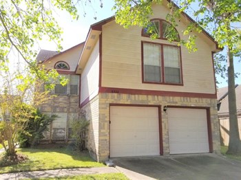 16322 Petaluma Dr 3 Beds House for Rent Photo Gallery 1