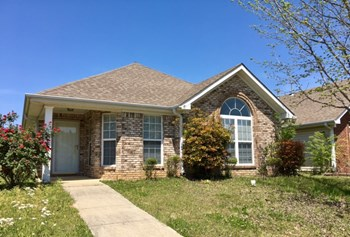 1101 Village Trail 3 Beds House for Rent Photo Gallery 1