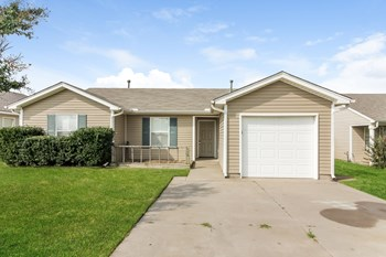 1701 Eagle Dr 3 Beds House for Rent Photo Gallery 1