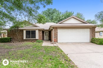 744 Santa Fe Trail 3 Beds House for Rent Photo Gallery 1