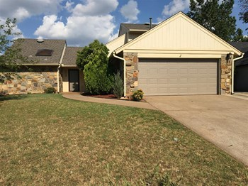 4216 Old Farm Rd 3 Beds House for Rent Photo Gallery 1