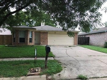 303 Moss Hill Dr 3 Beds House for Rent Photo Gallery 1