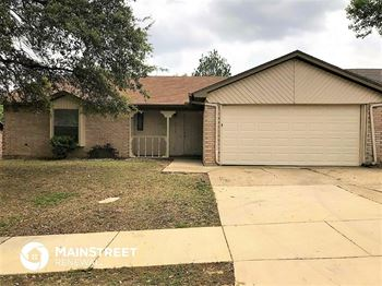 6520 N Park Dr 3 Beds House for Rent Photo Gallery 1