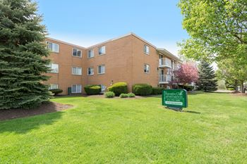 3434  E. Brainard Rd. 1 Bed Apartment for Rent Photo Gallery 1