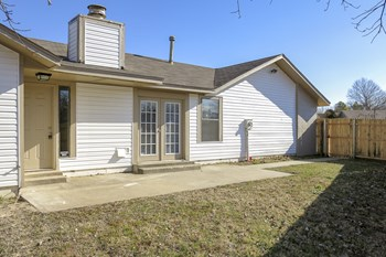 2006 Twisted Oak Circle 3 Beds House for Rent Photo Gallery 1