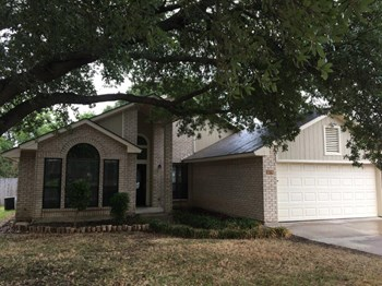 1609 Willow Park Dr 3 Beds House for Rent Photo Gallery 1