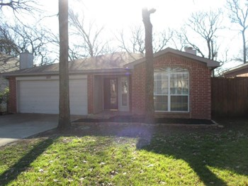 1207 Cardinal Oaks Dr 3 Beds House for Rent Photo Gallery 1