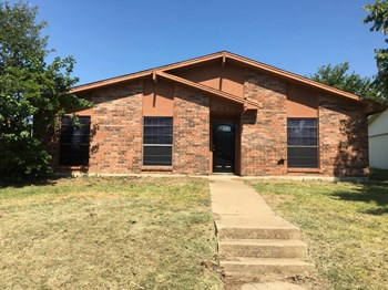 6505 Alta Oaks Dr 3 Beds House for Rent Photo Gallery 1