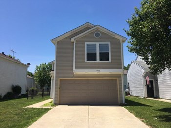 4472 Connaught East Dr 3 Beds House for Rent Photo Gallery 1