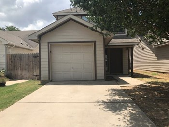 1456 Pine Ln 3 Beds House for Rent Photo Gallery 1