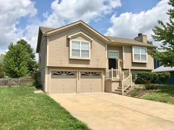 1502 Magnolia Dr 4 Beds House for Rent Photo Gallery 1