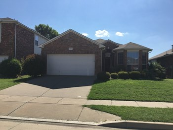 12821 Danville Dr 3 Beds House for Rent Photo Gallery 1