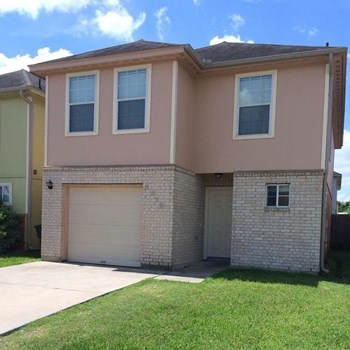 4915 N Cancun Dr 4 Beds House for Rent Photo Gallery 1