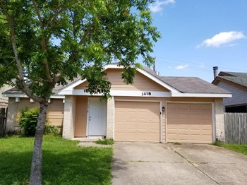 1418 Hunters Park Dr 3 Beds House for Rent Photo Gallery 1