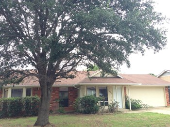 2421 Homewood Trail 3 Beds House for Rent Photo Gallery 1