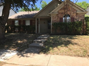 1526 Chapman St 3 Beds House for Rent Photo Gallery 1