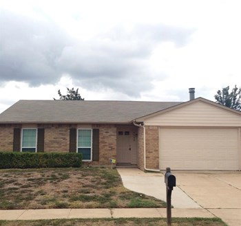 3829 Bridalwreath Dr 3 Beds House for Rent Photo Gallery 1
