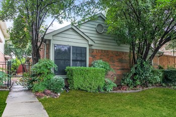 4213 Phoenix Dr 3 Beds House for Rent Photo Gallery 1
