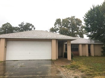 2453 Rim Dr 3 Beds House for Rent Photo Gallery 1