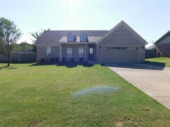 4569 Royal Pl 3 Beds House for Rent Photo Gallery 1