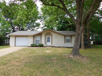 3570 Bryn Mawr Dr 3 Beds House for Rent Photo Gallery 1