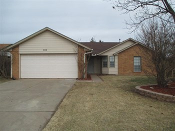 2301 Fairfield Dr 3 Beds House for Rent Photo Gallery 1