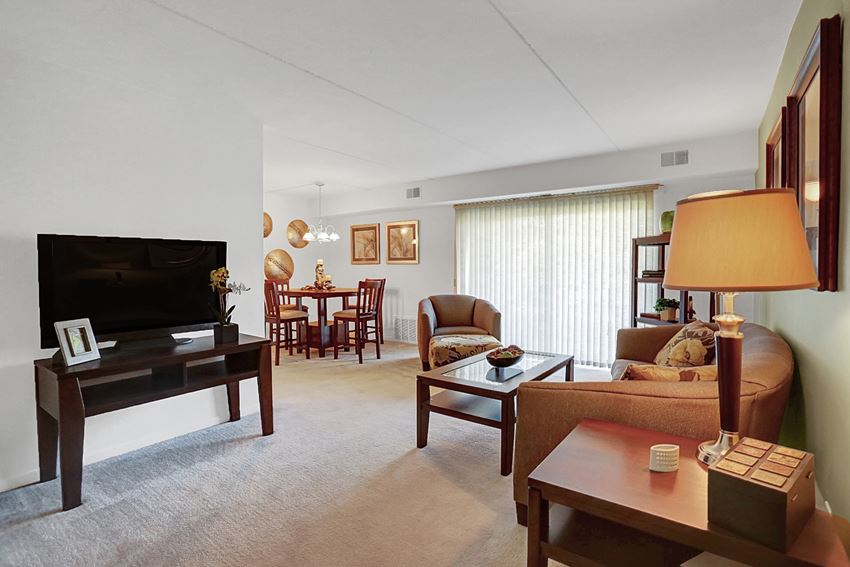 Apartments in Harrisburg, PA | Twin Lakes Phase III | Property Management, Inc.