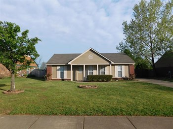 4210 Brighton Dr 3 Beds House for Rent Photo Gallery 1
