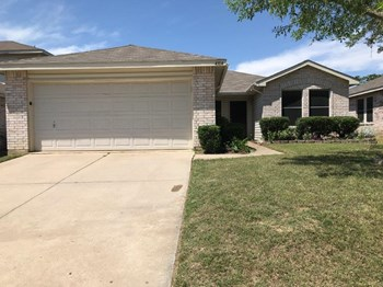 4304 Meadowknoll Dr 3 Beds House for Rent Photo Gallery 1