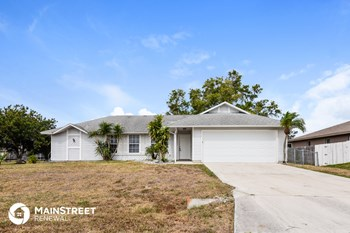 814 SW 10Th Pl 3 Beds House for Rent Photo Gallery 1