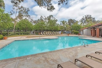 2045 Village Park Way 1-2 Beds Apartment for Rent Photo Gallery 1