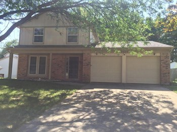 7551 Rogers Dr 3 Beds House for Rent Photo Gallery 1